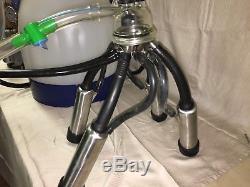 DeLaval Single Cow Portable Milk Machine with 65 lb. Interpuls Eco Bucket