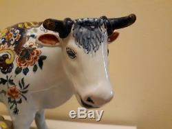 Ancienne Vache Peinte À La Main Signée '' Ar 1607 '' Signée Delft
