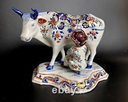 Antique 1700-1722 Marque Apk Néerlandaise Delft Vache Figurine Avec Milker Polychrome